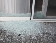 Broken window glass removal service